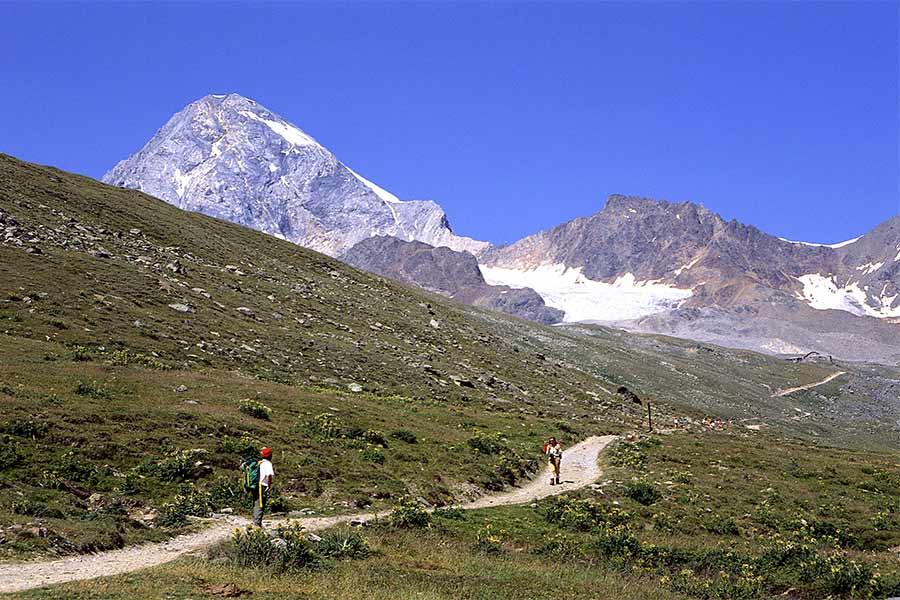 Bormio oltre per lo sci e i trattamenti termali è ottima meta anche per le escursioni all'aria aperta}