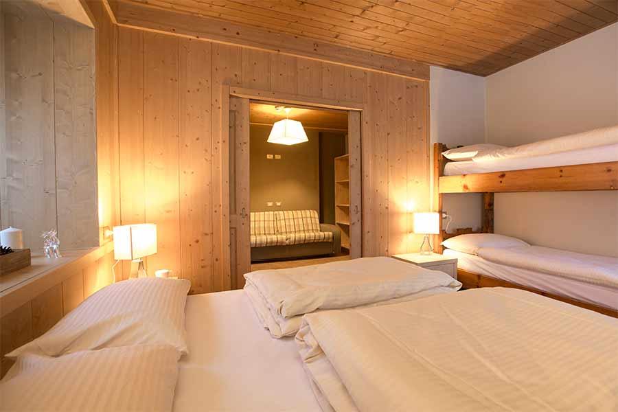 Camera bilocale con letto a castello
